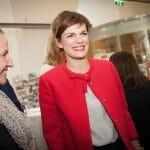 Bundesministerin Pamela Rendi-Wagner (BMGF) mischt sich unter die Gäste. / © Alexandra Thompson Photography