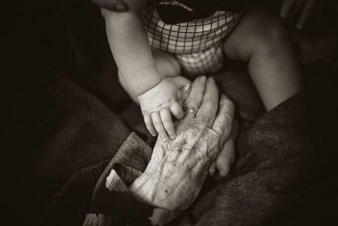 Jung Und Alt, alternde Gesellschaft, copyright: WHO